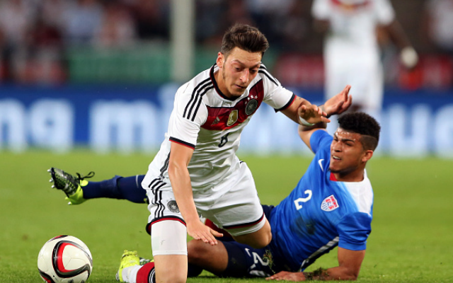 Bierhoff regret over Ozil Germany exit
