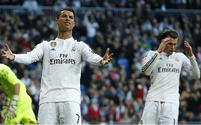 (Video) Cristiano Ronaldo shows there is still tension with Man United target Gareth Bale