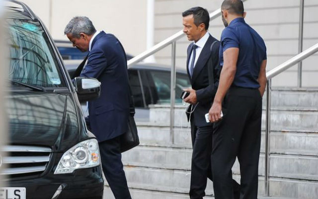 (Images) Jorge Mendes spotted in Manchester as City step up Otamendi move