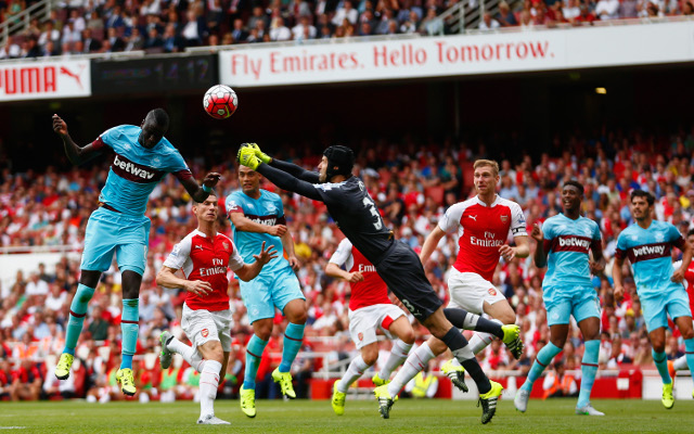 (Video) Petr Cech mistake helps West Ham to a surprise lead against Arsenal at half-time, and he does little better for the second
