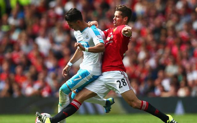 Morgan Schneiderlin hoping to enjoy similar career to Man United legend