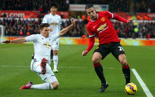 Robin van Persie turns back the years by scoring at Old Trafford [Tweets]