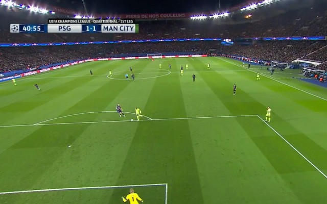 ICYMI: Joe Hart's miracle and Fernando's howler against PSG [Video's]