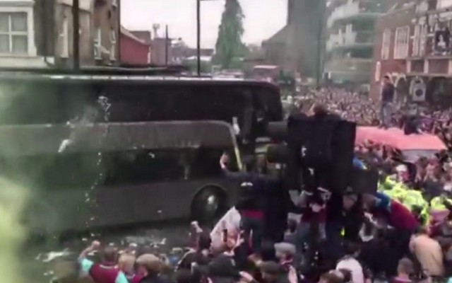 ICYMI: West Ham fans attack Manchester United's bus, Wayne Rooney reacts [Video]