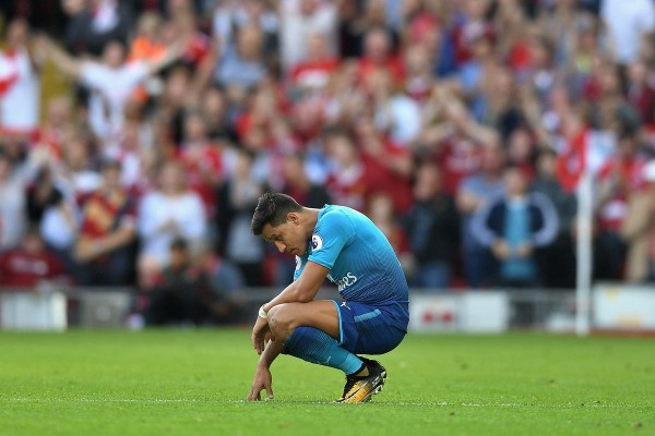 Arsenal faced with decision on Sanchez's future and more news from North London